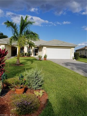 7775 Berkshire Pines Dr, Naples, FL 34104