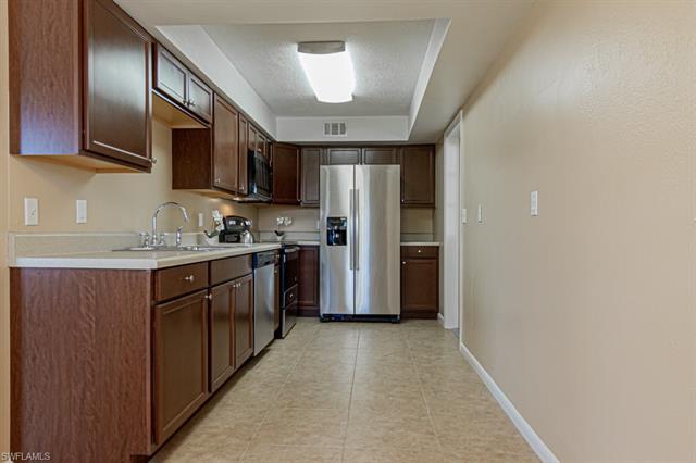 1110 Navajo Ave, Lehigh Acres, FL 33936