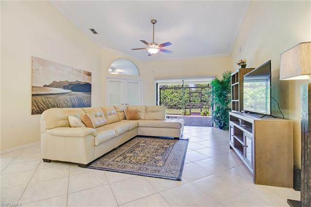 601 Kings Way, Naples, FL 34104