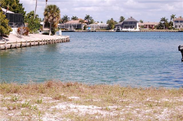 970 Daisy Ct, Marco Island, FL 34145