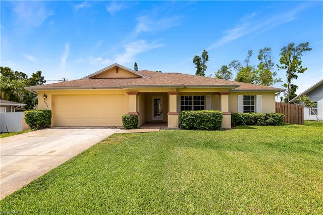 8272 Pittsburgh Blvd, Fort Myers, FL 33967
