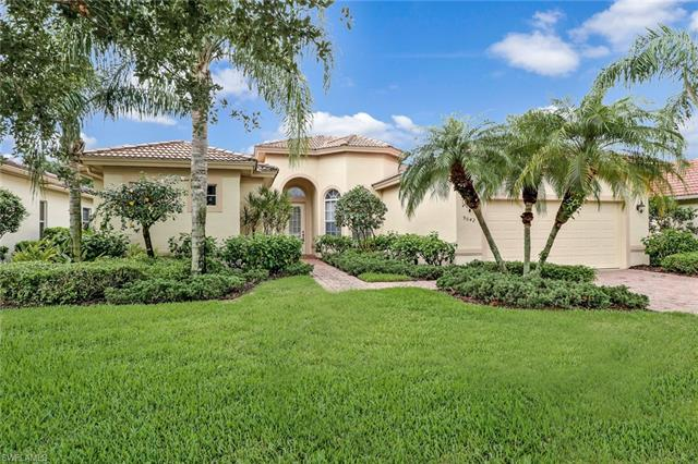 9042 Bronco Ct, Naples, FL 34113