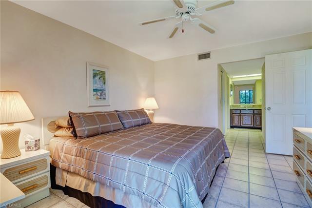 420 Fox Haven Dr 3208, Naples, FL 34104