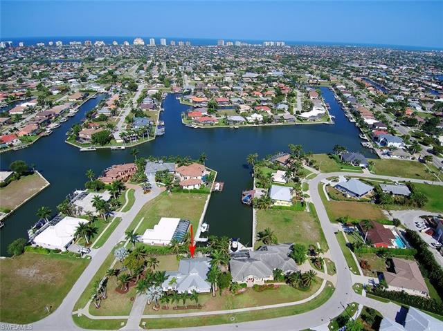 148 Bahama Ave, Marco Island, FL 34145