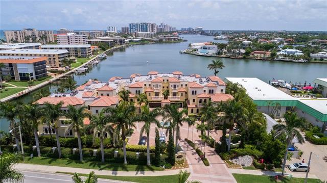 261 Harbour Dr 2, Naples, FL 34103
