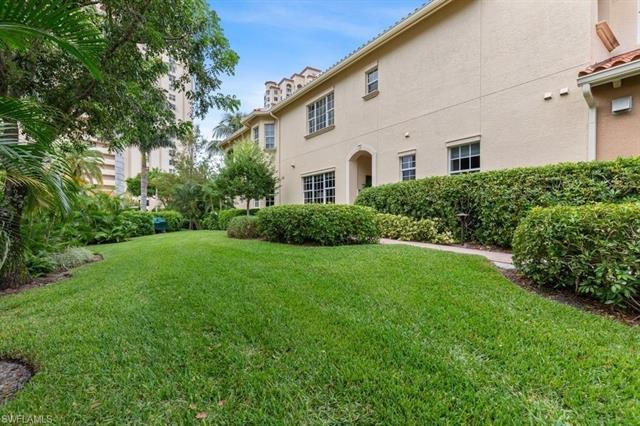 6525 Crown Colony Place Pl Sw 101, Naples, FL 34108