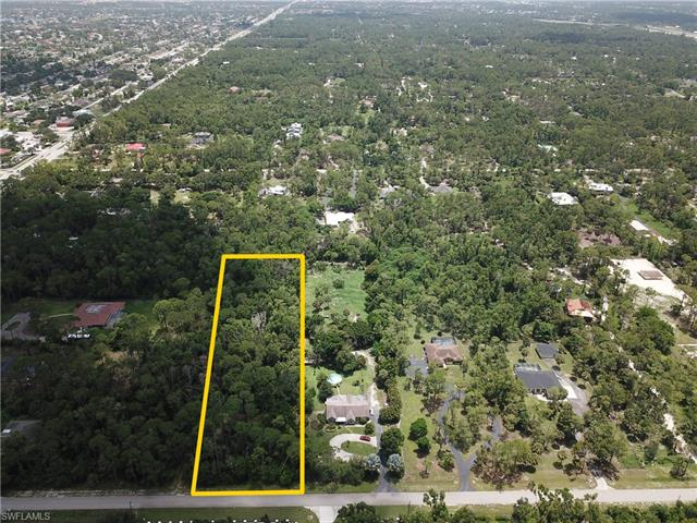 5700 Cedar Tree Ln, Naples, FL 34116