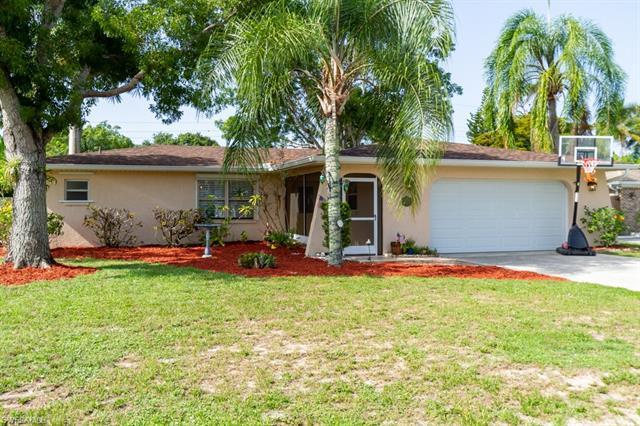 9804 Tonya Ct, Bonita Springs, FL 34135
