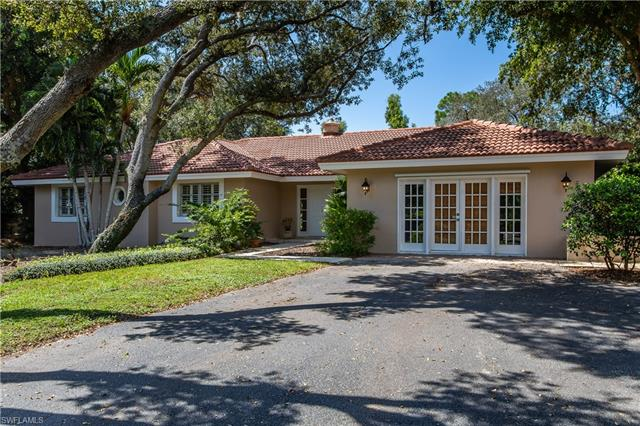 423 West St, Naples, FL 34108