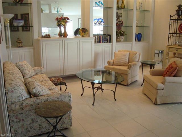 4251 Redonda Ln, Naples, FL 34119