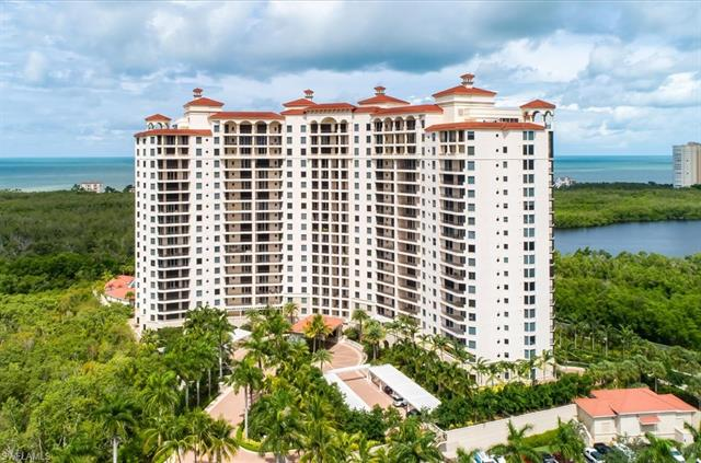 7575 Pelican Bay Blvd 101, Naples, FL 34108