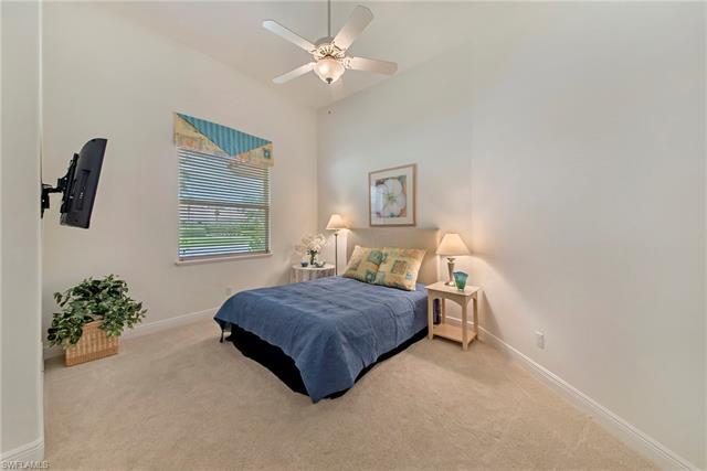5922 Amberwood Dr, Naples, FL 34110