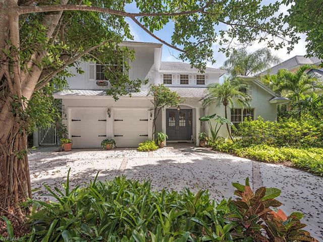 255 2nd Ave N, Naples, FL 34102
