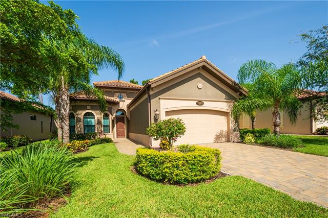 7395 Lantana Cir, Naples, FL 34119