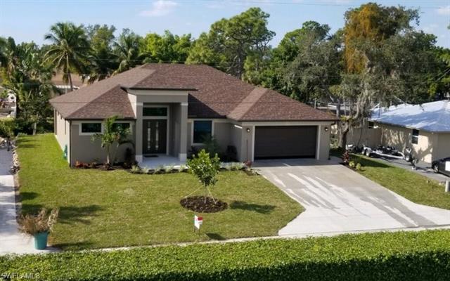27303 Barbarosa St, Bonita Springs, FL 34135
