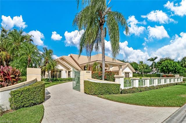 4688 Oak Leaf Dr, Naples, FL 34119