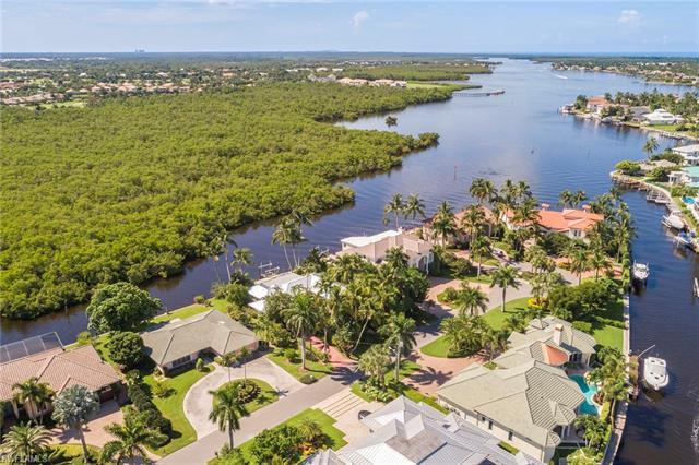 2185 Sheepshead Dr, Naples, FL 34102