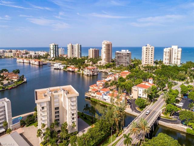 250 Park Shore Dr 101, Naples, FL 34103