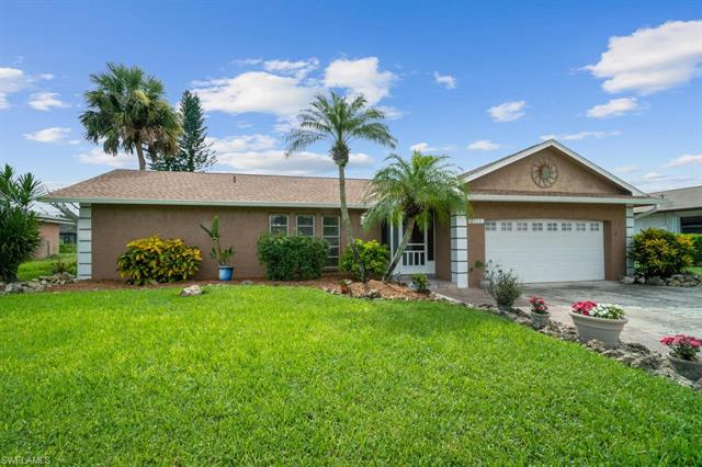 2555 44th St Sw, Naples, FL 34116