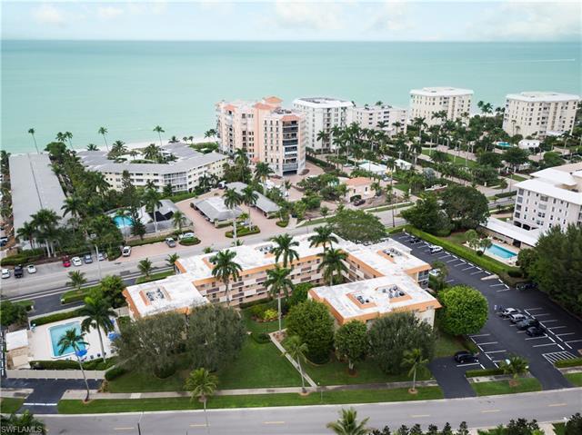 1100 Gulf Shore Blvd N 209, Naples, FL 34102