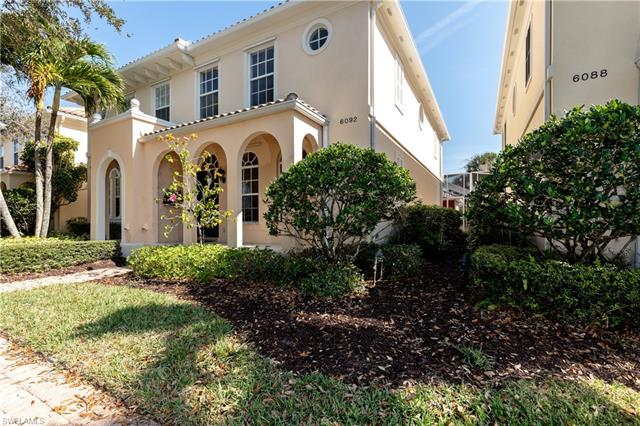 6092 Towncenter Cir, Naples, FL 34119