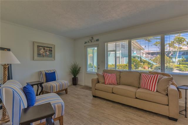 289 8th Ave S 289a, Naples, FL 34102