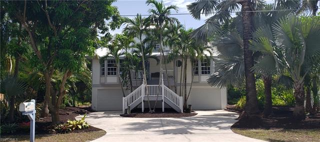 11811 Isle Of Palms Dr, Fort Myers Beach, FL 33931