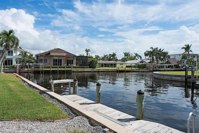 1809 Kingfish Rd, Naples, FL 34102