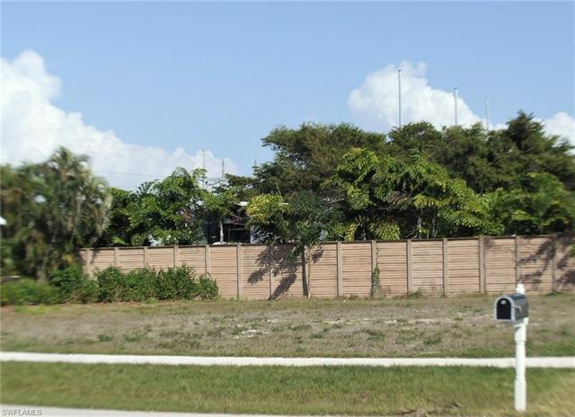437 Heathwood Dr, Marco Island, FL 34145