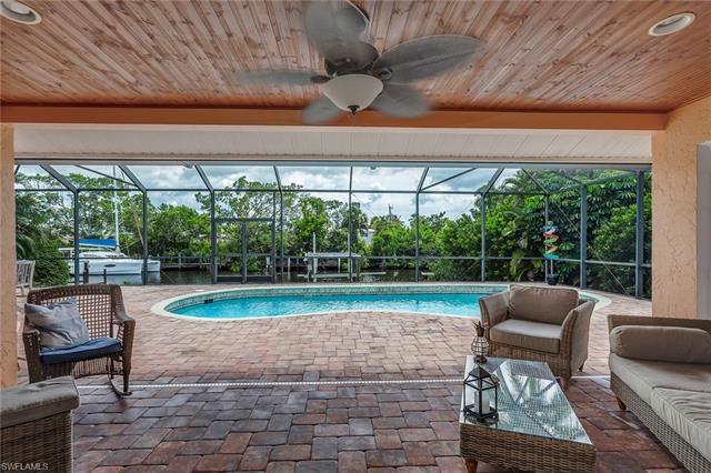 1480 Chesapeake Ave, Naples, FL 34102