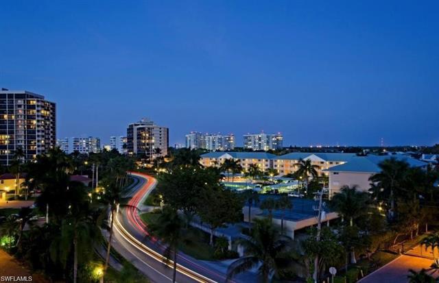 10686 Gulf Shore Dr 305a, Naples, FL 34108