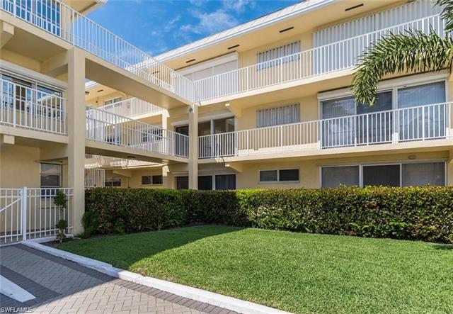 1100 8th Ave S 204a, Naples, FL 34102