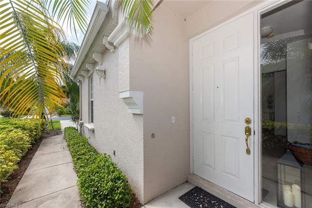 14819 Sterling Oaks Dr, Naples, FL 34110