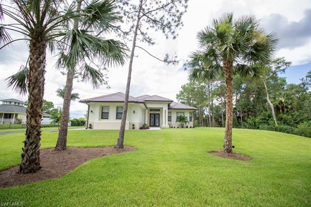4860 12th St Ne, Naples, FL 34120