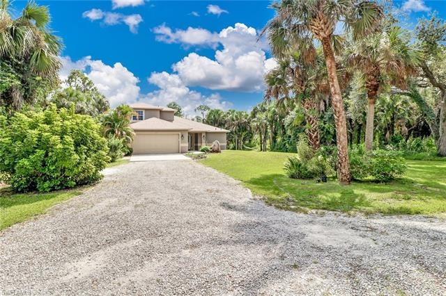270 11th St Nw, Naples, FL 34120