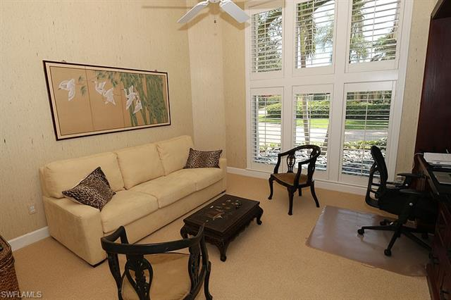 6967 Greentree Dr, Naples, FL 34108