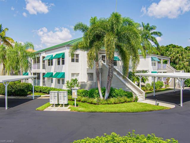 532 Club Side Dr 4-532, Naples, FL 34110