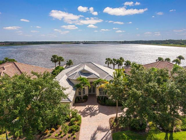 8773 Hideaway Harbor Ct, Naples, FL 34120