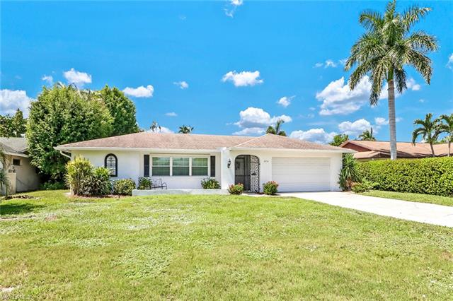 4556 Lakewood Blvd, Naples, FL 34112