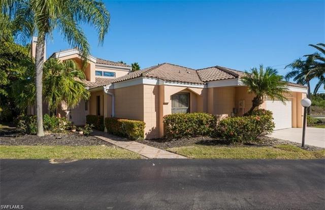 9101 Ridge Ct, Fort Myers, FL 33912