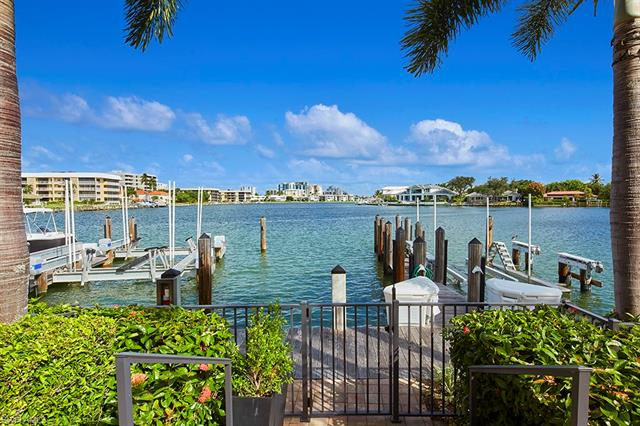 261 Harbour Dr 2, Naples, FL 34103