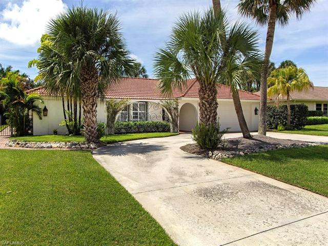37 Cypress Point Dr, Naples, FL 34105