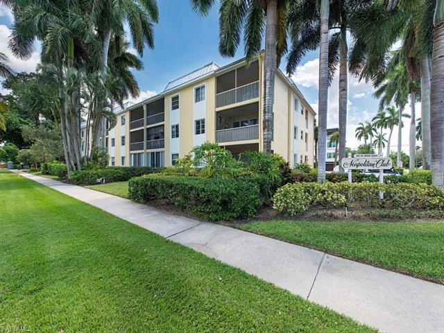 900 8th Ave S 202, Naples, FL 34102