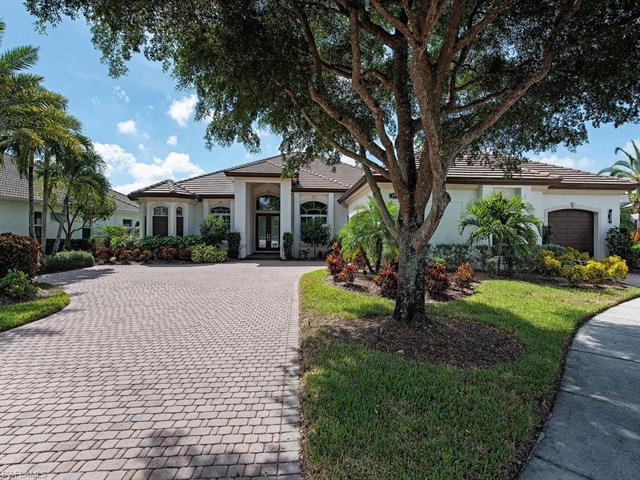 5970 Amberwood Dr, Naples, FL 34110