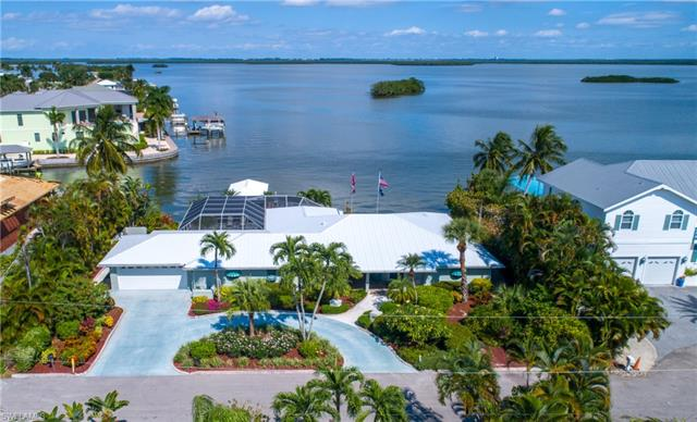 55 Fairview Blvd, Fort Myers Beach, FL 33931