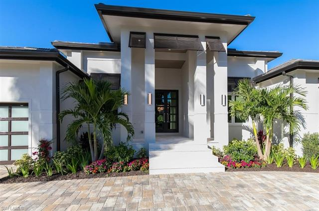 401 Wedge Dr, Naples, FL 34103