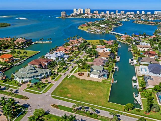 1598 Heights Ct, Marco Island, FL 34145