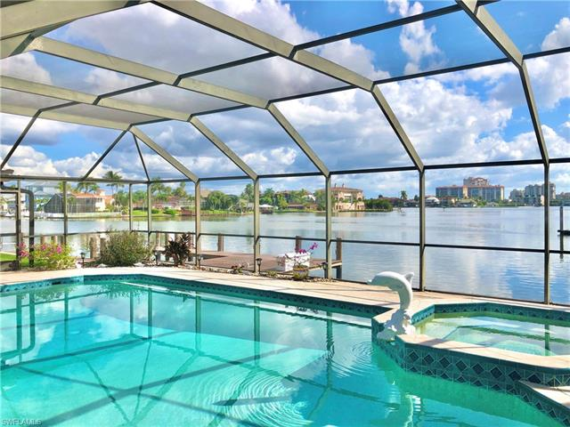 128 Bayview Ave, Naples, FL 34108