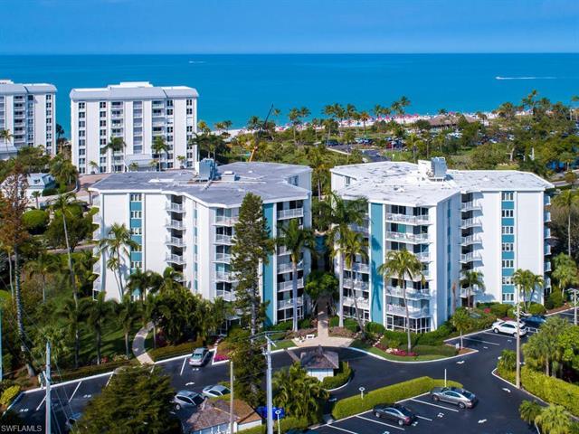 1300 Gulf Shore Blvd N 606, Naples, FL 34102