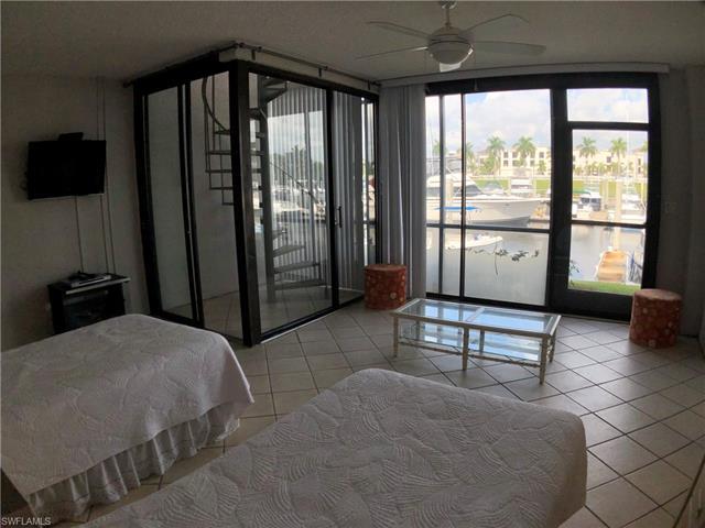 803 River Point Dr 107b, Naples, FL 34102